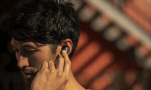 wireless bluetooth earbuds featured image